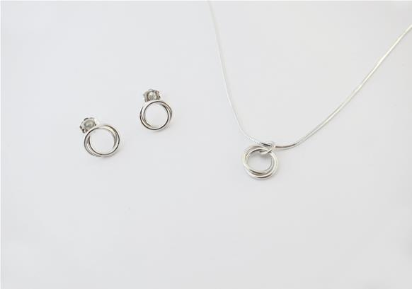 Infinity knot jewelry set
