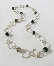 Loop chain with black lace agates