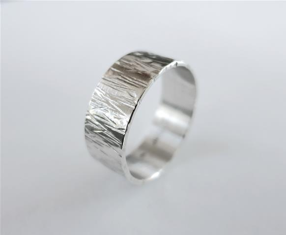 Tree bark ring in sterling silver - Hammered band - Unisex ring