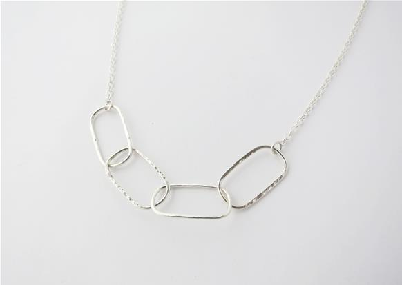 Sterling silver hammered oval links chain