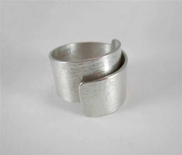 Rolled up ring